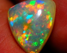 4.83 CT AAA QUALITY FLASHY ETHIOPIAN OPAL-AE 522