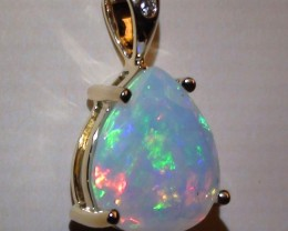 9.75 ct 10k Solid Gold Pendant With Top Gem Color Welo Facet Opal
