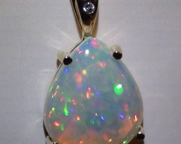 10.55 ct 10k Solid Gold Pendant With Top Gem Color Welo Cab Opal