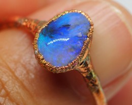9CT OPAL RING WITH ELECTRIC FORM COPPER   NN112