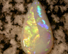 11.8ct HIGH QUALITY BRILLIANT COLORS EXTREEM 3D RARAE PATERN TEARDROP OPAL