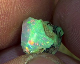 5.50 cts Ethiopian Welo PINFIRE rough opal N7 4,5/5
