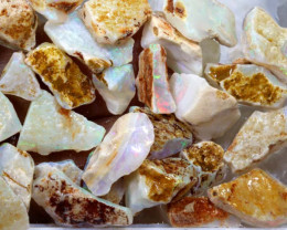 46-CTS COOBER PEDY WHITE OPAL ROUGH  DT-8001