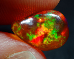 3.32 ct  RED FIRE  OPAL BRIGHT CARVED
