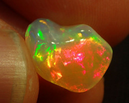 4.0ct. BRIGHT CARVED QUALITY WELO OPAL