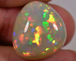 28.6 CT - HUGE AMAZING WELO OPAL CABACHON