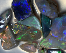 SELECT PARCEL OF CUTTERS; 41 CTs of Handpicked Lightning Ridge Rough Opals,