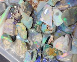 390 CTs of Beautiful Solid/Natural Lightning Ridge Opal, #822