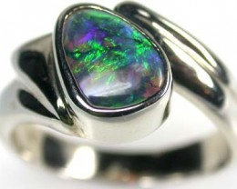 IMPRESSIVE GREEN FIRE BLACK OPAL 18K RING SIZE 7.5 SCA413