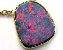 RED & GREEN SHIMMER DOUBLET OPAL 18K PENDANT 4.50 CTS SCA423