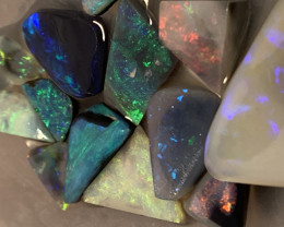 *SEE THE VIDEO AND DETAILS PLEASE* 30 CTs of Lightning Ridge Rubs #1181