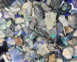 2 GIFTS plus 1700 CTs of Lightning Ridge Rough Opal Chips#1240