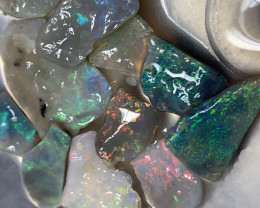** SELECT ROUGH PARCEL; 20 CTs of Lightning Ridge Rough Opal #1257