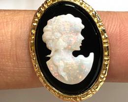 European style opal cameo 14 k    OPJ 2537