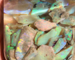 480 cts o bright  rough crystal opal