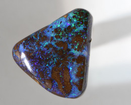 18.55 CT Amazing Solid boulder Opal from QLD