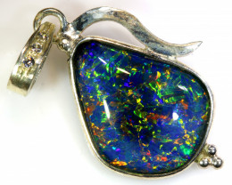 17.30  CTS TRIPLET OPAL PENDANT SILVER  OF-680