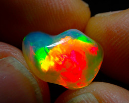 4.0ct. BRIGHT CARVED TOP COLOURS WELO OPAL