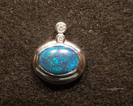 18ct White Gold Pendant LR Solid Opal (WF405)