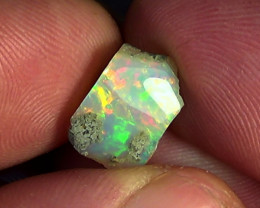 3.65 cts Ethiopian Welo CIRRUS polished opal N6 4/5