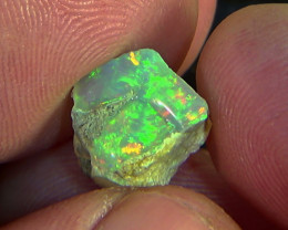 4.50 cts Ethiopian Welo CIRRUS rough opal N7 4,5/5
