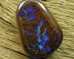 13cts. QUEENSLAND OPAL~PATTERN STONE..