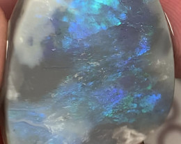 Beautiful Semi Black Seam Opal