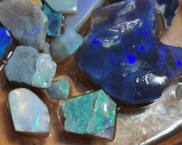 COLORFUL PARCEL OF LIGHTNING RIDGE OPAL