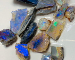 125 CTs of Crystal Rough Opal