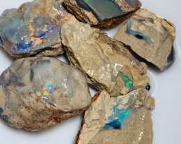 350CTs Bright Rough Crystal Seam Opals - Collectors/Carving