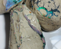 STUNNING BRIGHT MULTICOLOUR ROUGH NOBBY OPALS #786