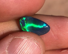 2.8cts Electric rolling flash black opal