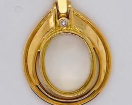 7.440 Grams 18 K Gold Pendant Bezzel setting    code TB20