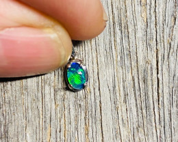 Cute Small  Bright Triplet Opal in Silver  pendant  NA 617