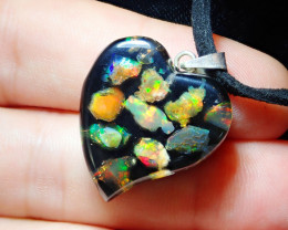18ct Mexican Fire Opal Inlaid Heart