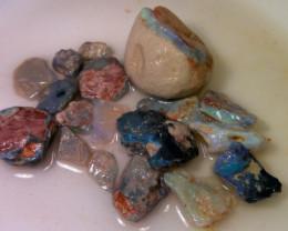 Virgin material!! 210ct Lightning Ridge  opal rough parcel
