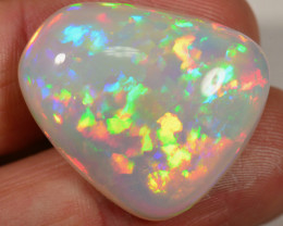 29 CT - BIG VERY BRIGHT WELO OPAL CABACHON