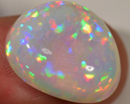 17 CT - VERY BRIGHT WELO OPAL CABACHON