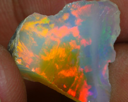 5.245CRT WELO OPAL ROUGH MULTICOLOR ETHIOPIAN OPAL