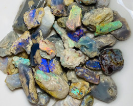 180 CTs rough crystal Nobby opals
