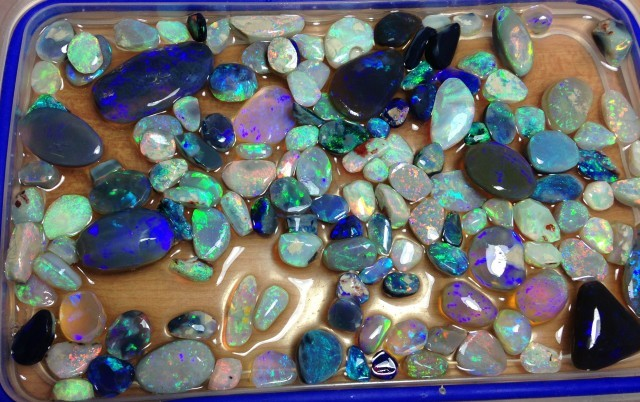 Rough opals