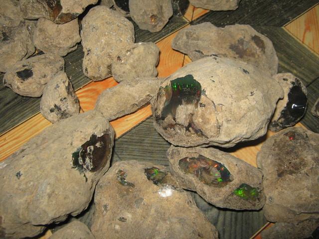 Ethiopian opal mining