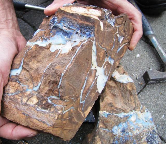 how to split boulder opal
