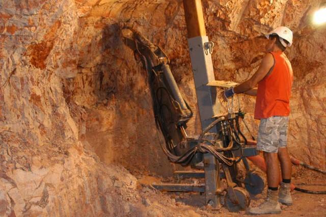 Lightning ridge opal mining