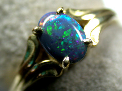 BLACK CRYSTAL OPAL RING 18K GOLD SIZE 5.5  SCA 715