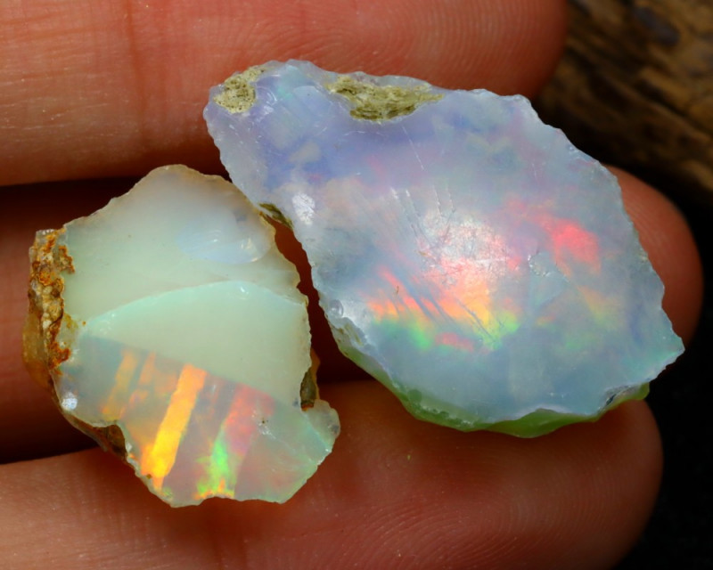 Welo Rough 19.50Ct Natural Ethiopian Play Of Color Rough Opal C0109