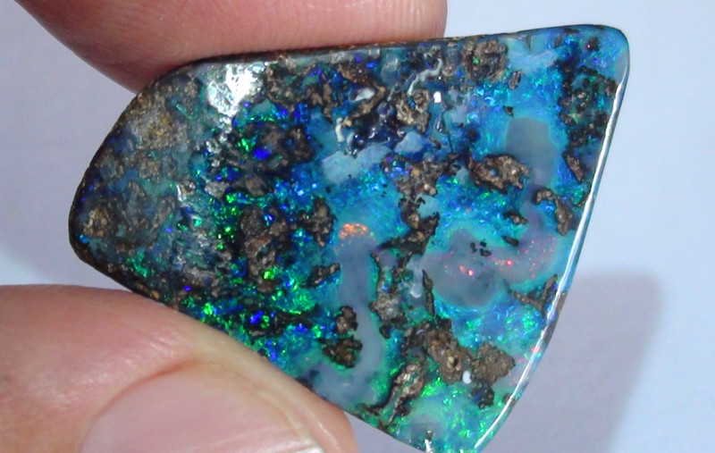 17.05 ct Beautiful Multi Color Natural Queensland Boulder Opal