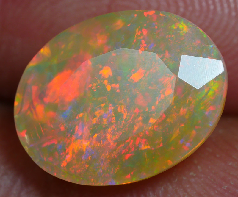 2.700 CRT BRILLIANT FACETED BEAUTIFUL PERFECT FULL PLAY COLOR  WELO-
