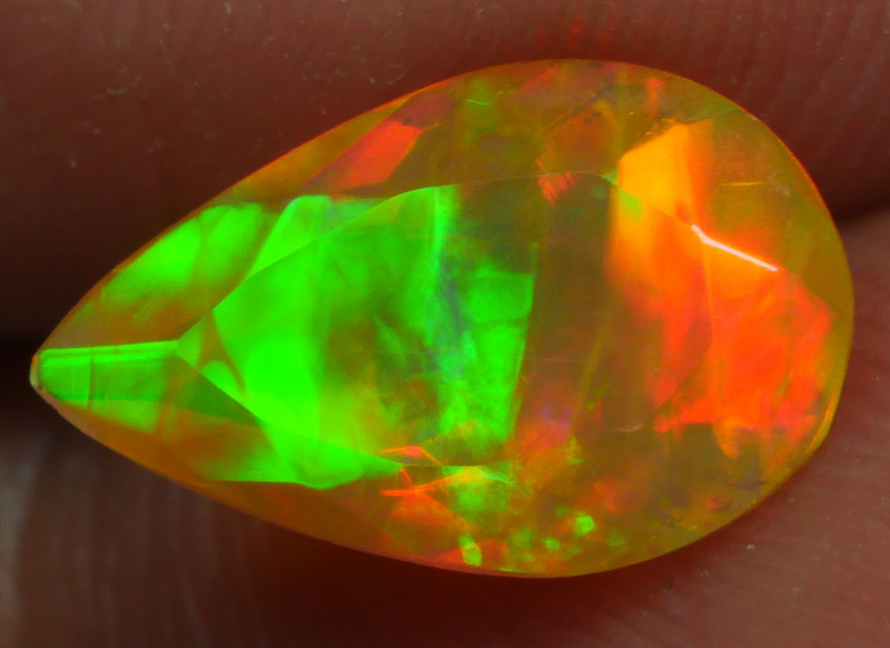 1.240 CRT BRILLIANT FACETED BEAUTIFUL PERFECT FULL PLAY COLOR  WELO-