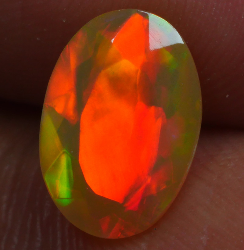 1.020 CRT BRILLIANT FACETED NEON RED FIRE WELO OPAL-